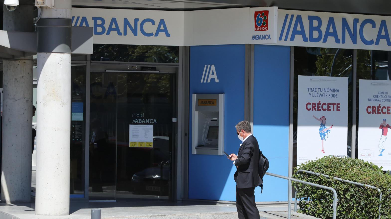 Abanca compra el negocio de la entidad portuguesa Novo Banco en España