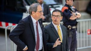 El expresidente de la Generalitat catalana, Quim Torra, sale de declarar del TSJC. A su lado, el abogado Jaume Alonso-Cuevillas