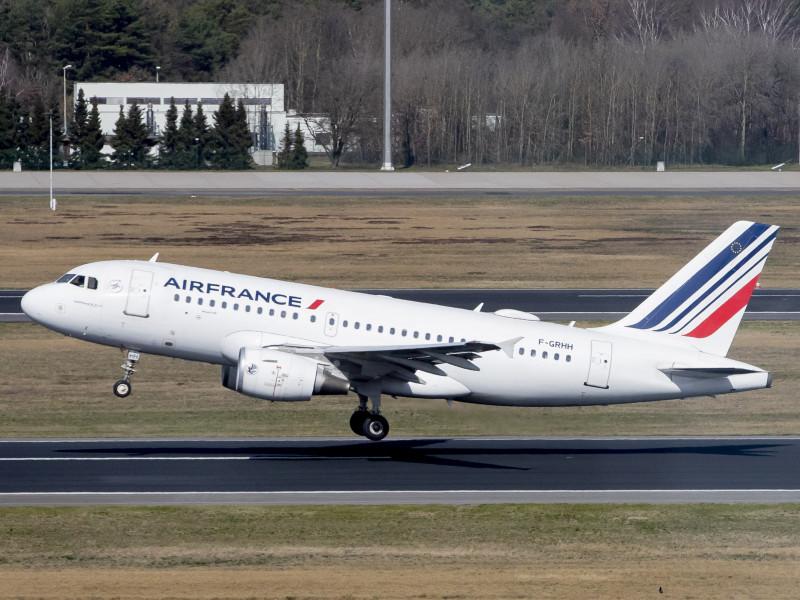 Bruselas autoriza ayudas de hasta 4.000 millones para Air France