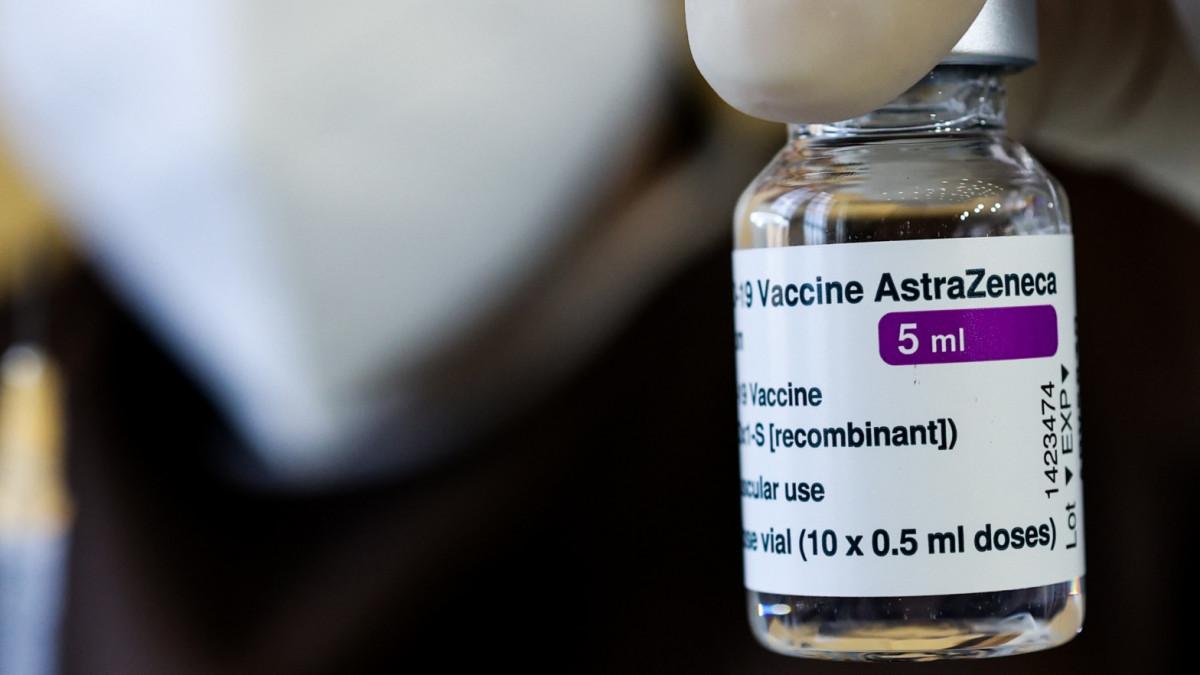 Bélgica solo administrará la vacuna de AstraZeneca a mayores de 55 años