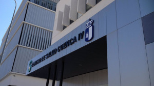 Investigan la muerte de una enfermera que apareció herida en un parking de Cuenca
