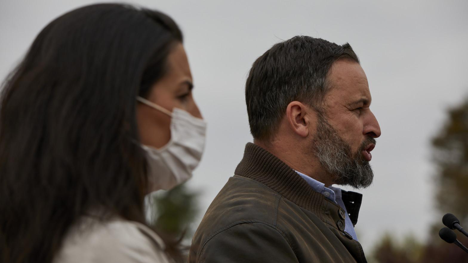 """Detenido por delito de odio por el tuit: """"Monasterio y Abascal colgados del Puente de Vallecas"""""""