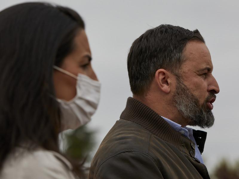 Vox estudia llevar a los tribunales a Tezanos por el CIS y a Iglesias por los disturbios