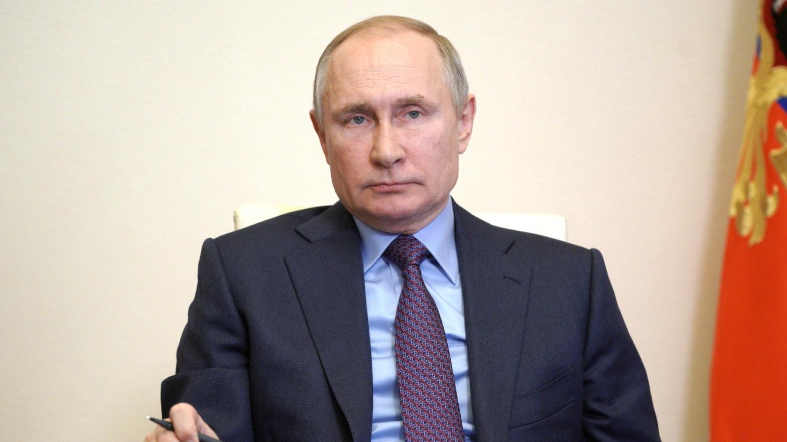 EEUU estudia expulsar a los diplomáticos ruso por la presunta intromisión de Moscú