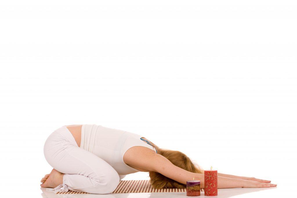 yoga balasana postura posicion meditacion