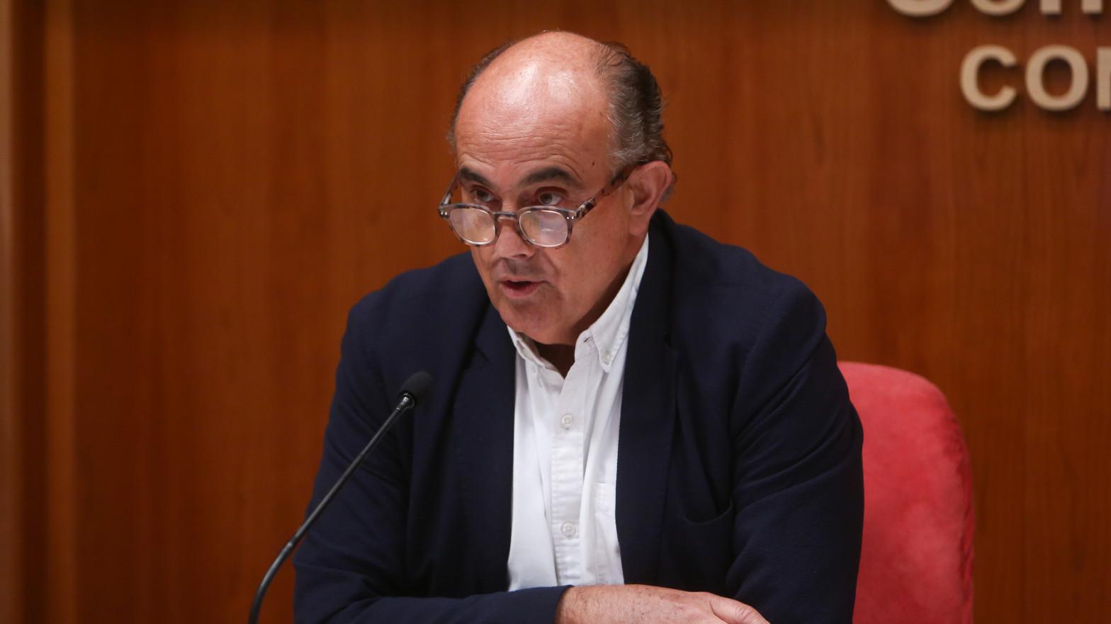 """Madrid culpa al Gobierno de la caída de la vacunación por """"crear confusión"""" con AstraZeneca"""