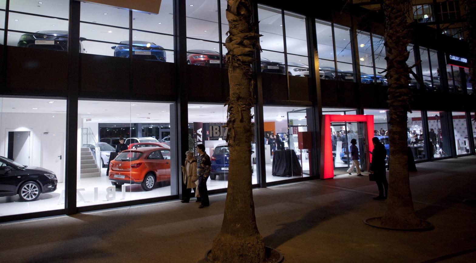 Las ventas de coches en España serán este año un 26% inferiores a 2019