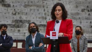 """Ayuso, tras las críticas de Abascal a Casado: """"A la derecha se viene llorado de casa"""""""