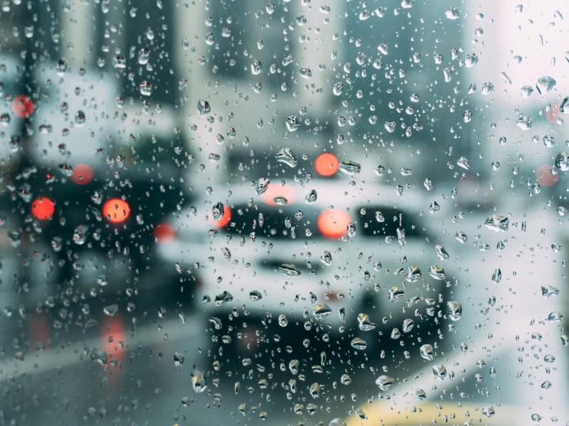 Chubascos y tormentas fuertes hoy en amplias zonas del país