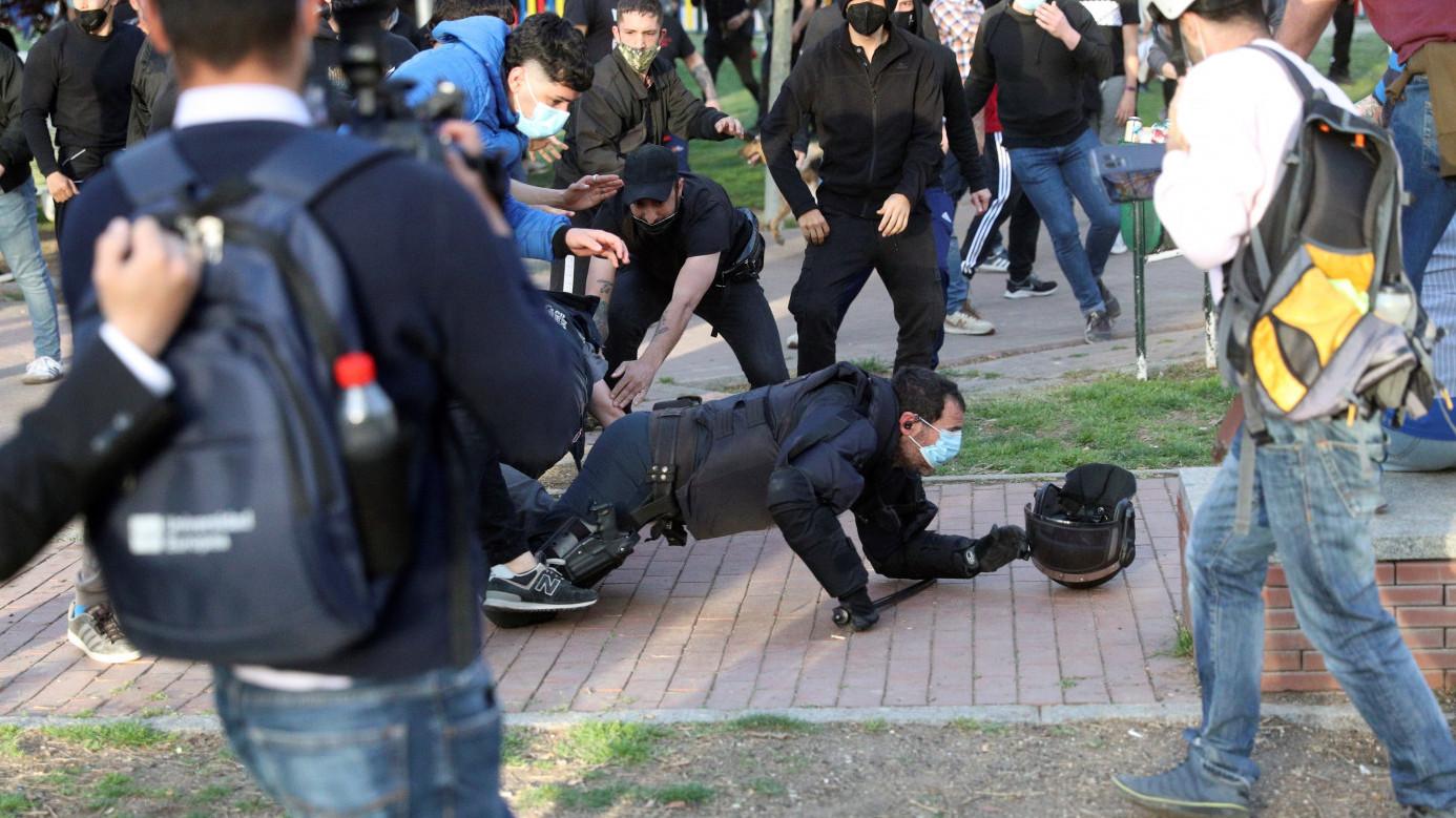 Un policía atacado en Vallecas.