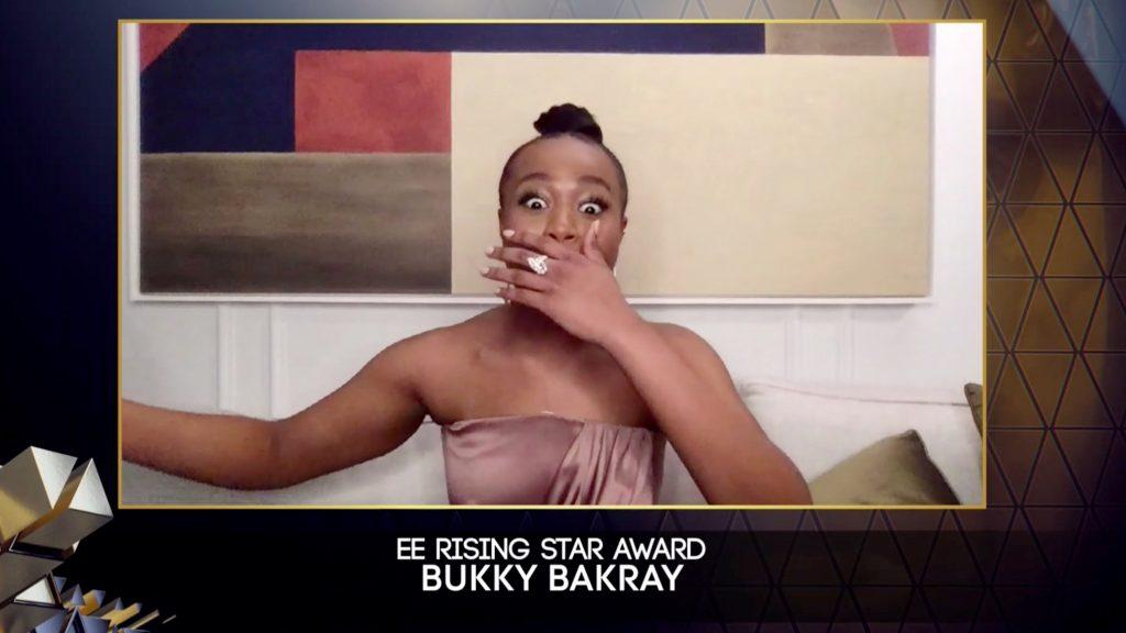 La intérprete Bukky Bakray gana el premio Bafta a mejor actriz emergente.