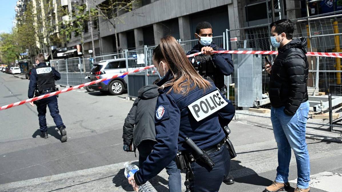 Un muerto y una herida grave tras un tiroteo frente a un hospital de París