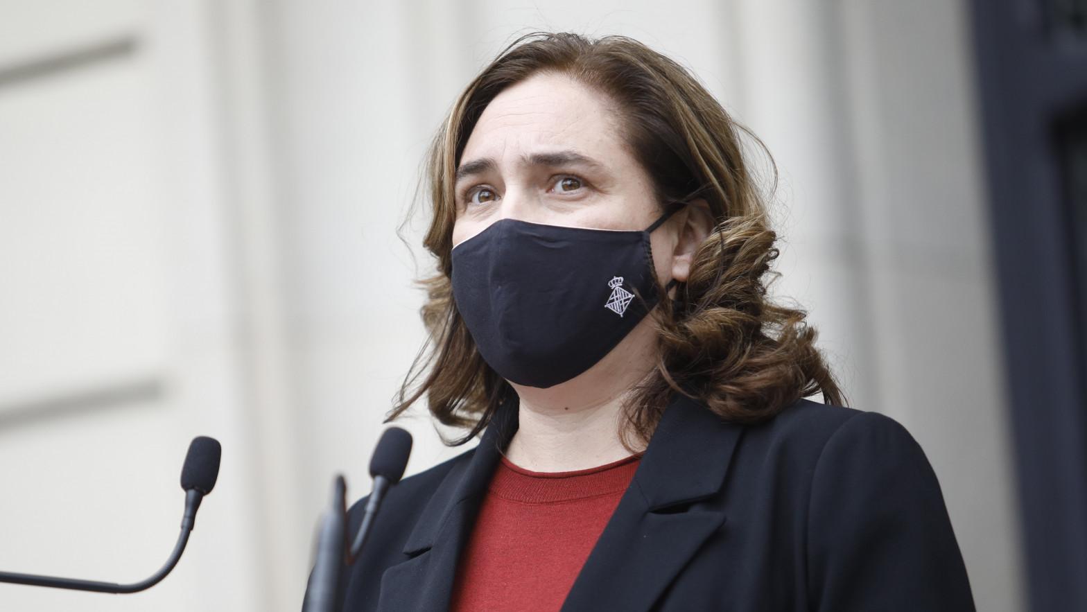 """Ada Colau abandona Twitter de forma indefinida para """"hacer buena política"""""""