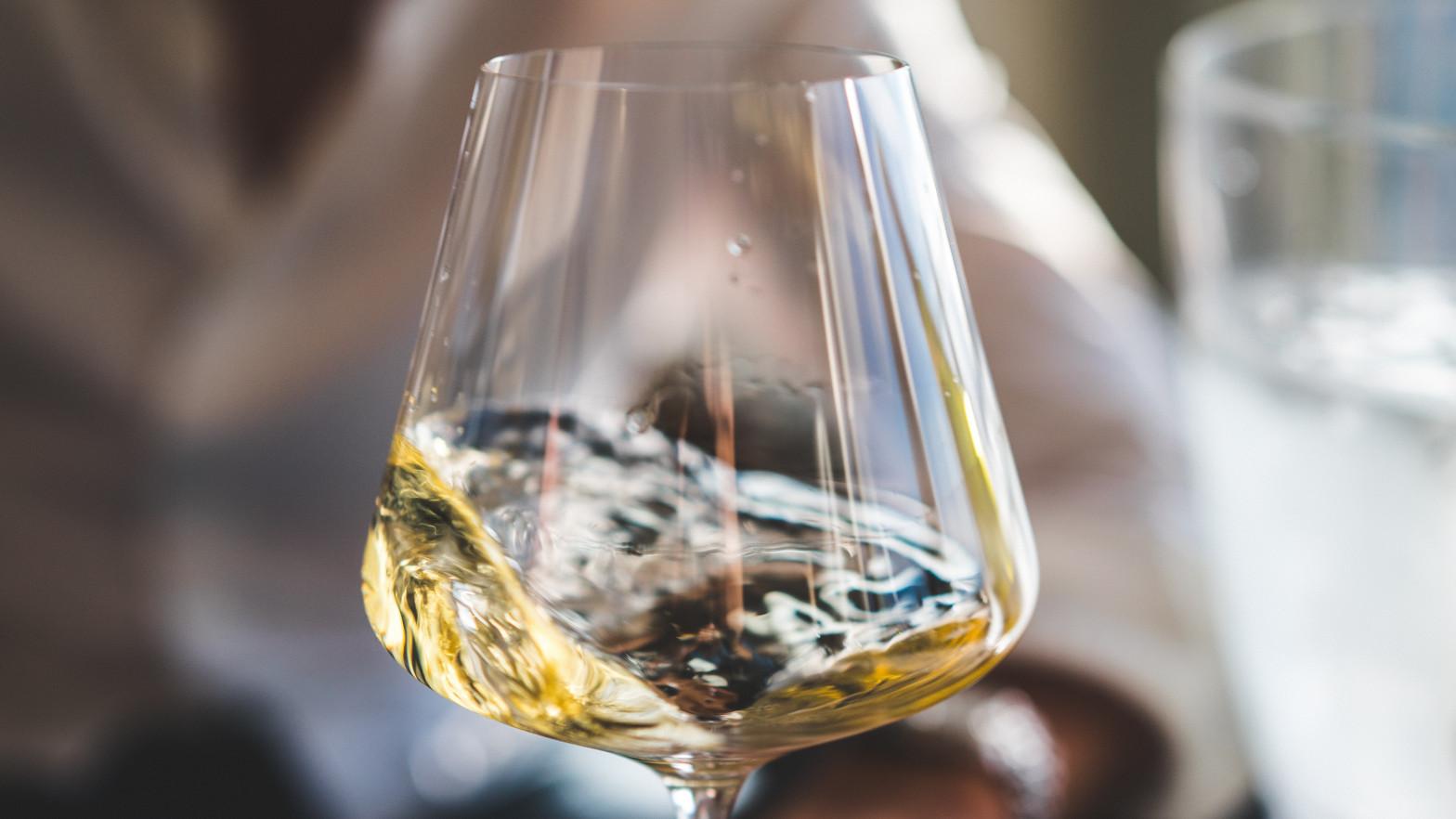 Vinos de uva viognier: blancos con alma de tintos para brindis muy especiales