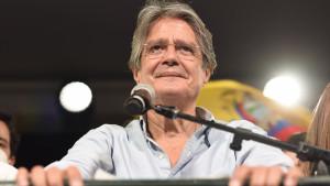 Lasso se declara vencedor y dice que es un día histórico para Ecuador