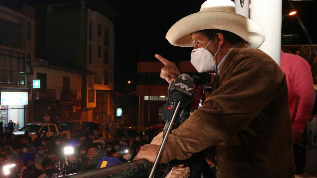 Pedro Castillo pasaría a segunda vuelta de las elecciones de Perú con Keiko Fujimori.