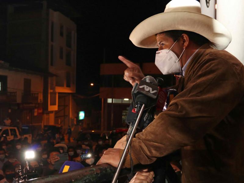 Pedro Castillo pasaría a segunda vuelta de las elecciones de Perú con un segundo aspirante