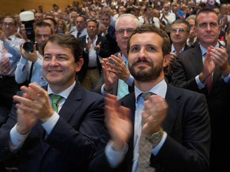 El PP expedienta a Mañueco por ocultar la contratación del exgerente regional