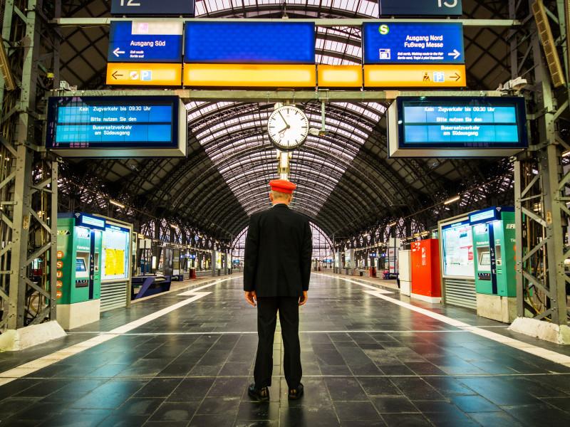 Alemania busca trabajadores ferroviarios en España con formación gratuita y remunerada incluida