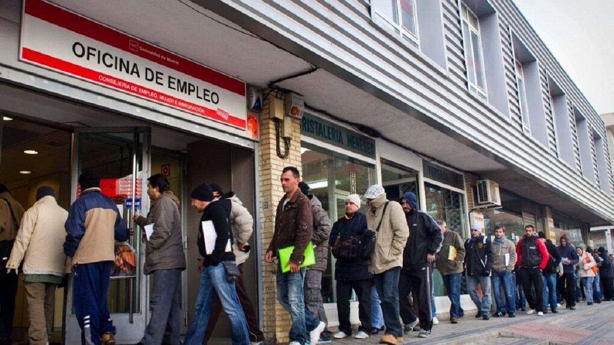 La tasa de paro española baja al 15,3% en marzo pero sigue a la cabeza en desempleo en la OCDE