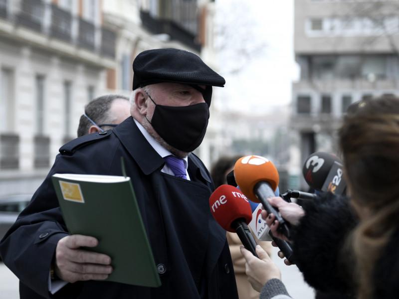 """Villarejo señala que la conversación en la que afirmaba que Rato había """"trincado"""" sobres con dinero fue manipulada"""