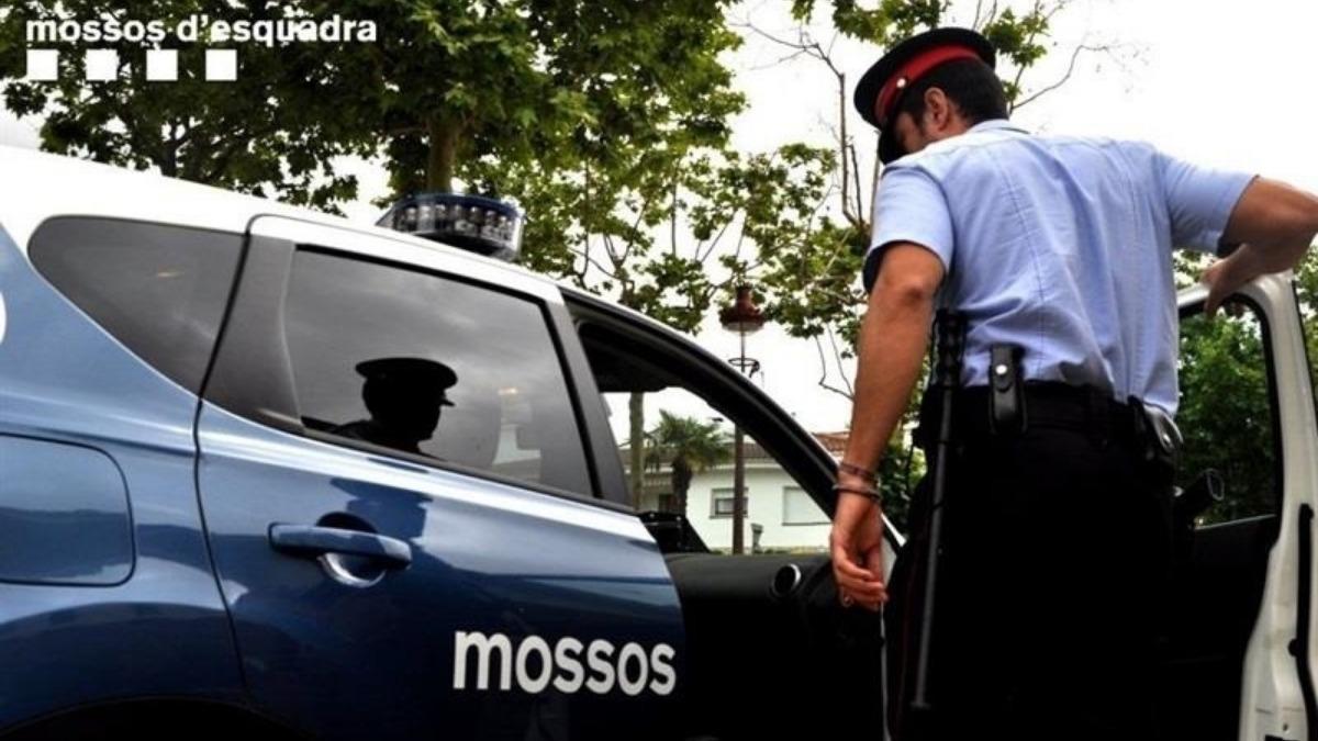 Los Mossos investigan la muerte violenta de dos personas en Corbera (Barcelona)