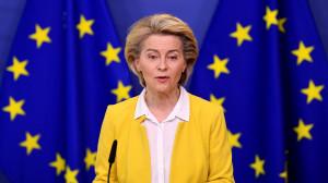 Bruselas asegura que las patentes no son la solución y aboga por exportar más vacunas