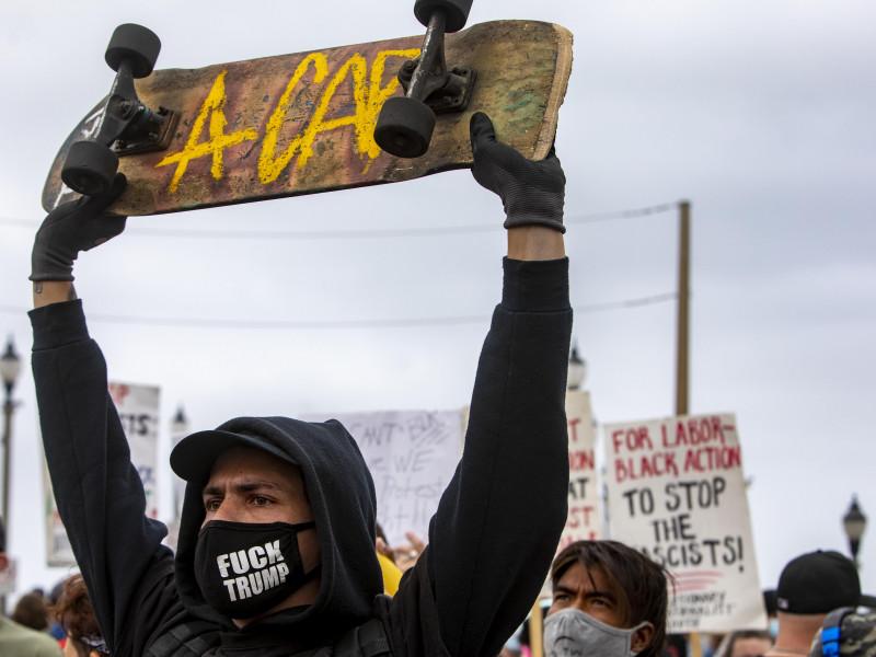 Tercera noche de protestas por la muerte del afroamericano Daunte Wright a manos de la Policía