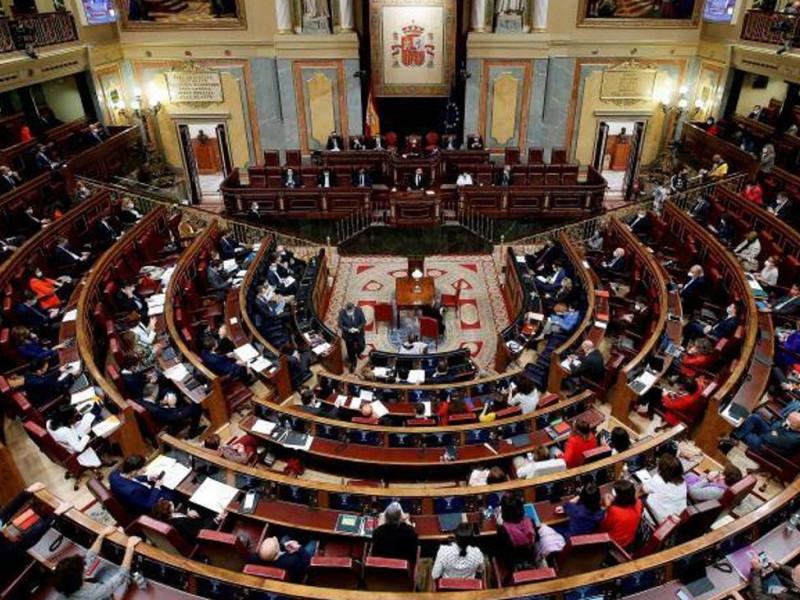 El Congreso prohíbe amnistías fiscales y pagos en efectivo de más de 1.000 €