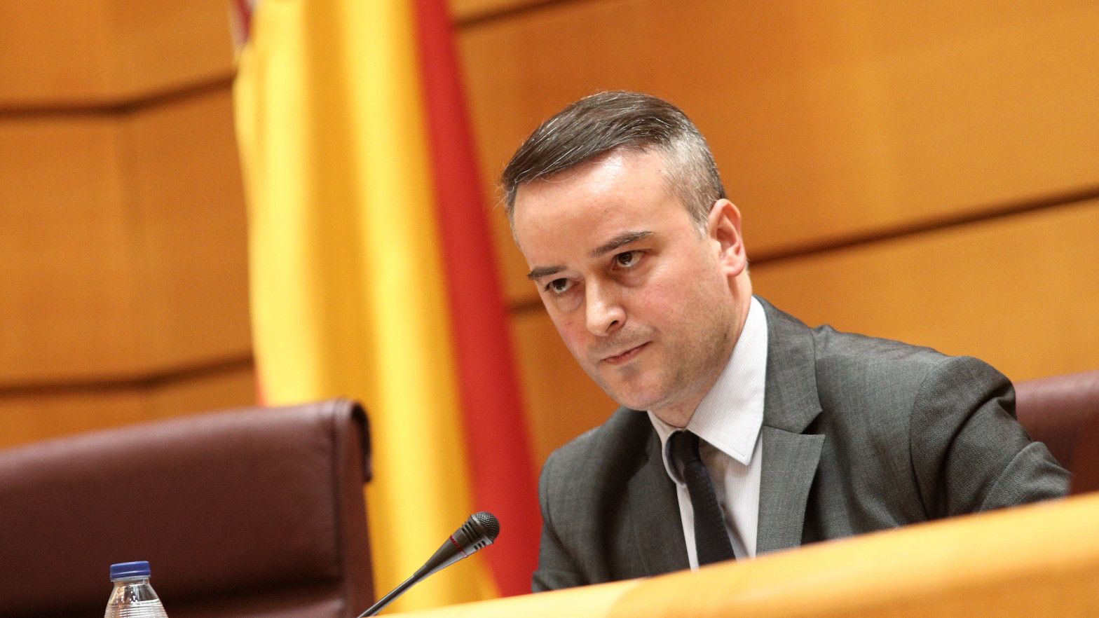 Moncloa recluta por carta más economistas para acelerar el proyecto estrella de Redondo