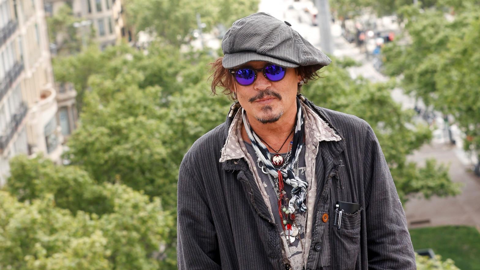"""El lapsus de Johnny Depp en Barcelona: """"Es un placer estar en la ciudad del Guernica"""""""