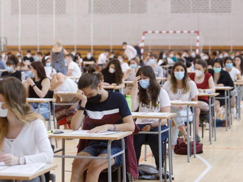 Las universidades catalanas solo tienen un 10% de exámenes de Selectividad en castellano