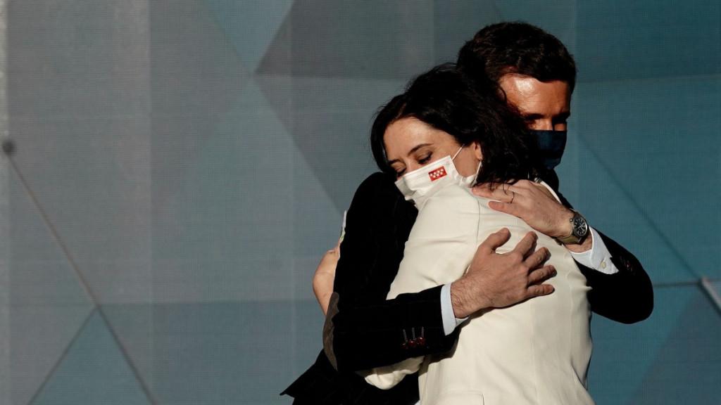 El presidente del PP, Pablo Casado, ha arropado a Isabel Díaz Ayuso en el arranque de la campaña de las elecciones en Madrid.