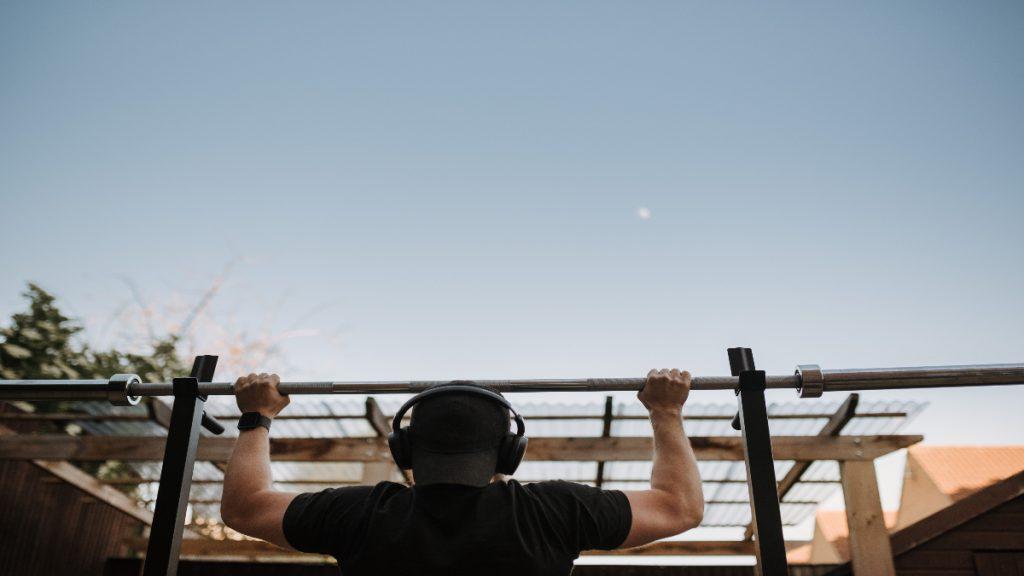 dominadas ejercicio deporte gimnasia