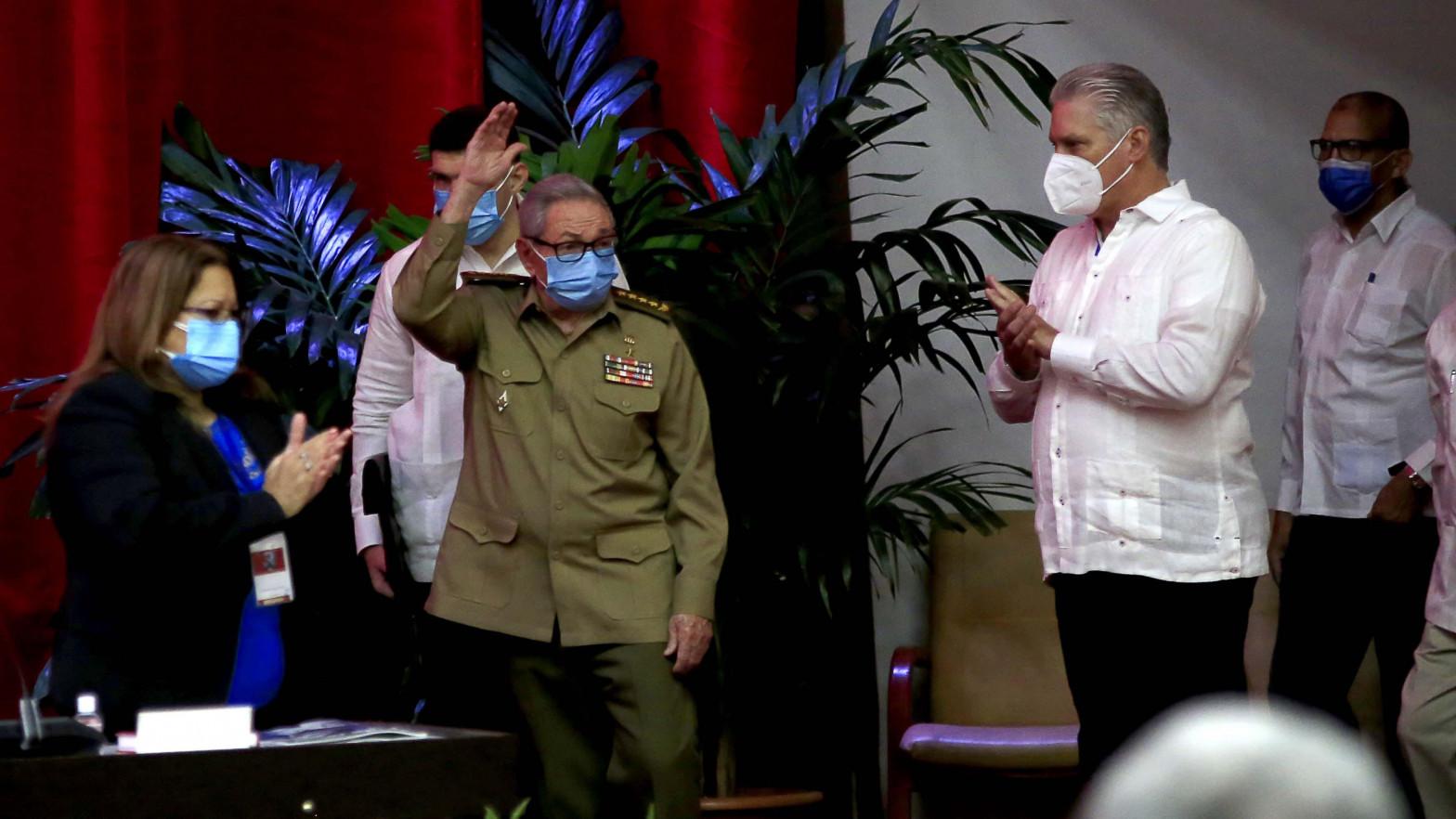 Díaz-Canel, elegido líder del Partido Comunista en sustitución de Raúl Castro