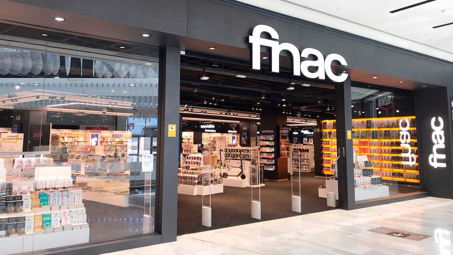 """Un """"error tipográfico"""" obliga a FNAC a vender móviles de 699 euros a 124"""