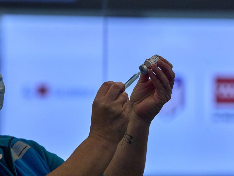"""Los científicos se ponen """"a disposición"""" de Sanidad para agilizar la vacunación"""