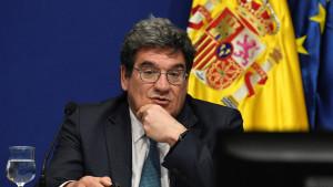 """El Gobierno califica de """"excepcional"""" la gestión de la crisis de Ceuta"""