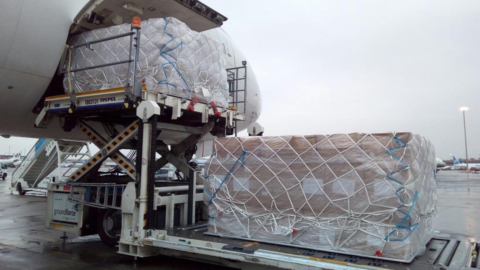 Sanidad pagó un sobrecoste de un millón de euros por problemas en el reparto de material