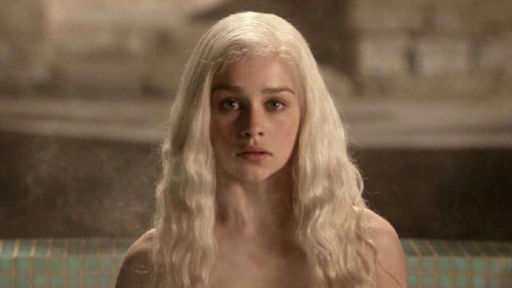 Emilia Clarke como Daenerys Targaryen, formará parte del universo Marvel.