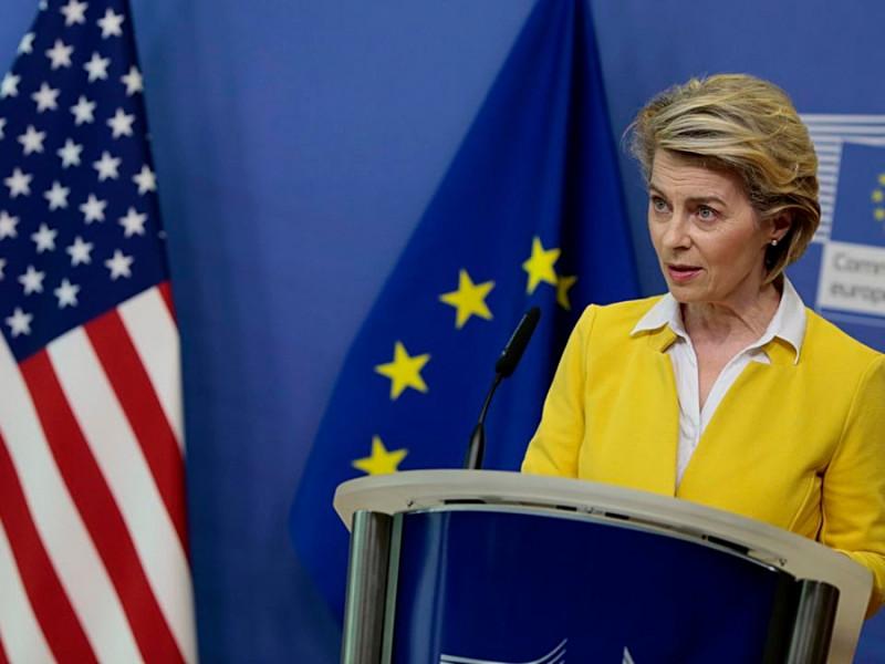 Los fondos europeos ante el espejo de EEUU: lentos, faraónicos y con menor inversión