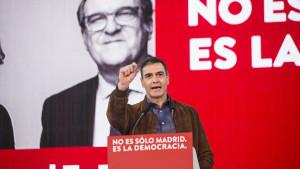 Pedro Sánchez y el lobo fascista