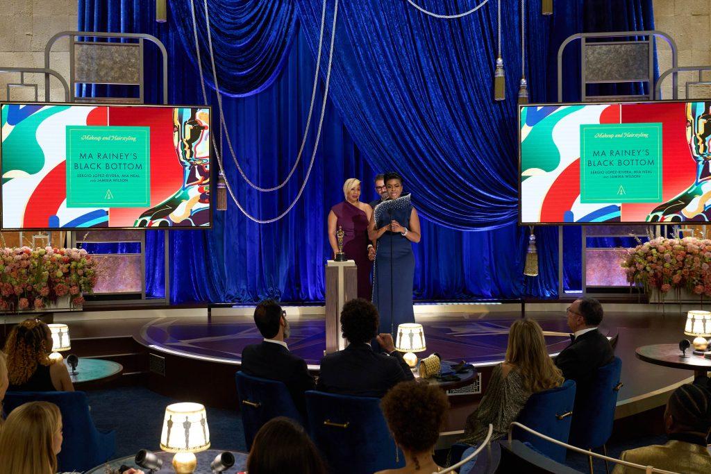El español Sergio López-Rivera recoge el Oscar a mejor maquillaje