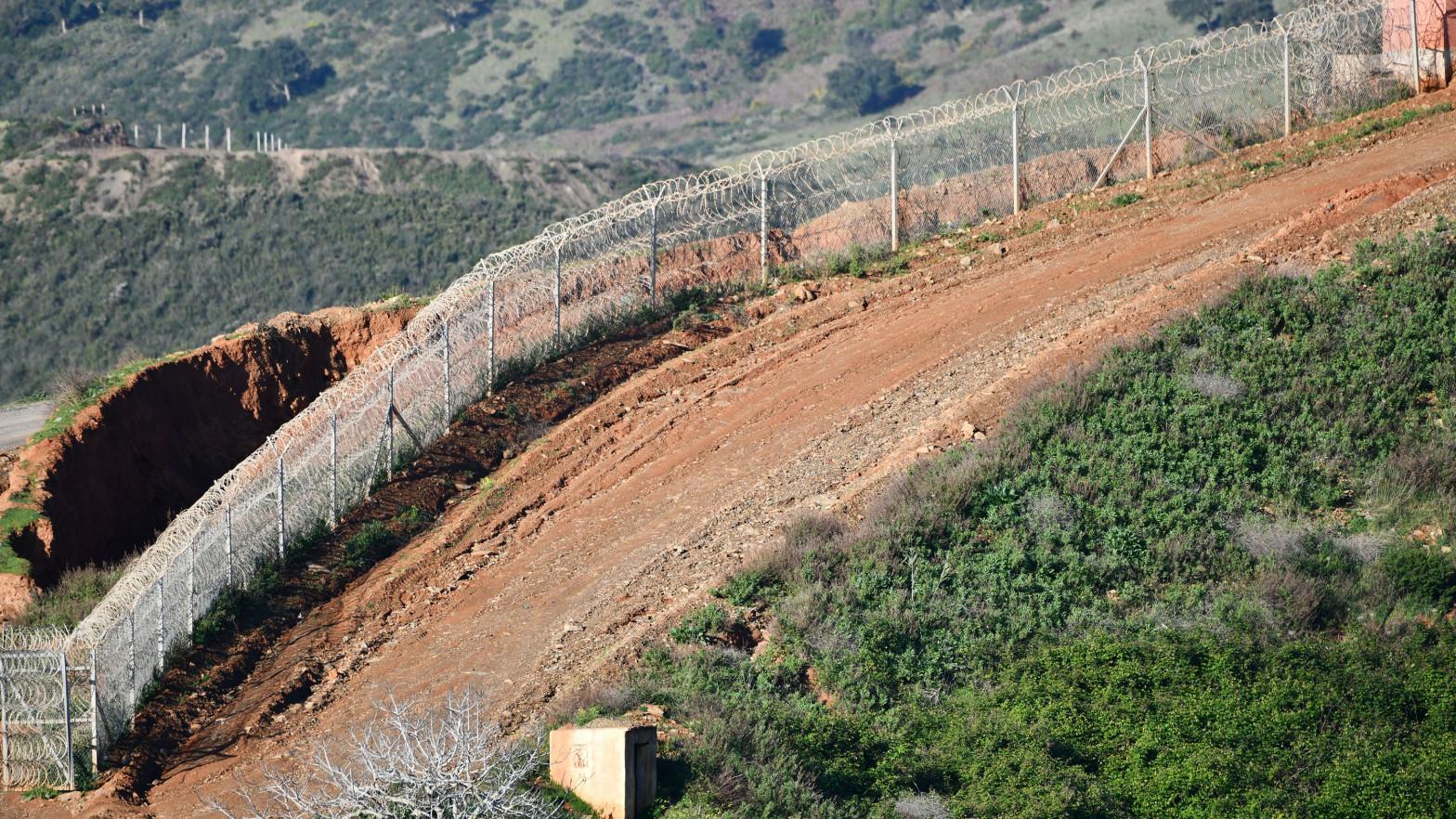 Melilla aborta el intento de entrada de 60 migrantes desde Marruecos el mismo día que acceden unos 50 por Ceuta