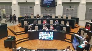 Cs y Vox dejan el pleno del Ayuntamiento de Madrid porque la izquierda no condena la violencia contra ellos