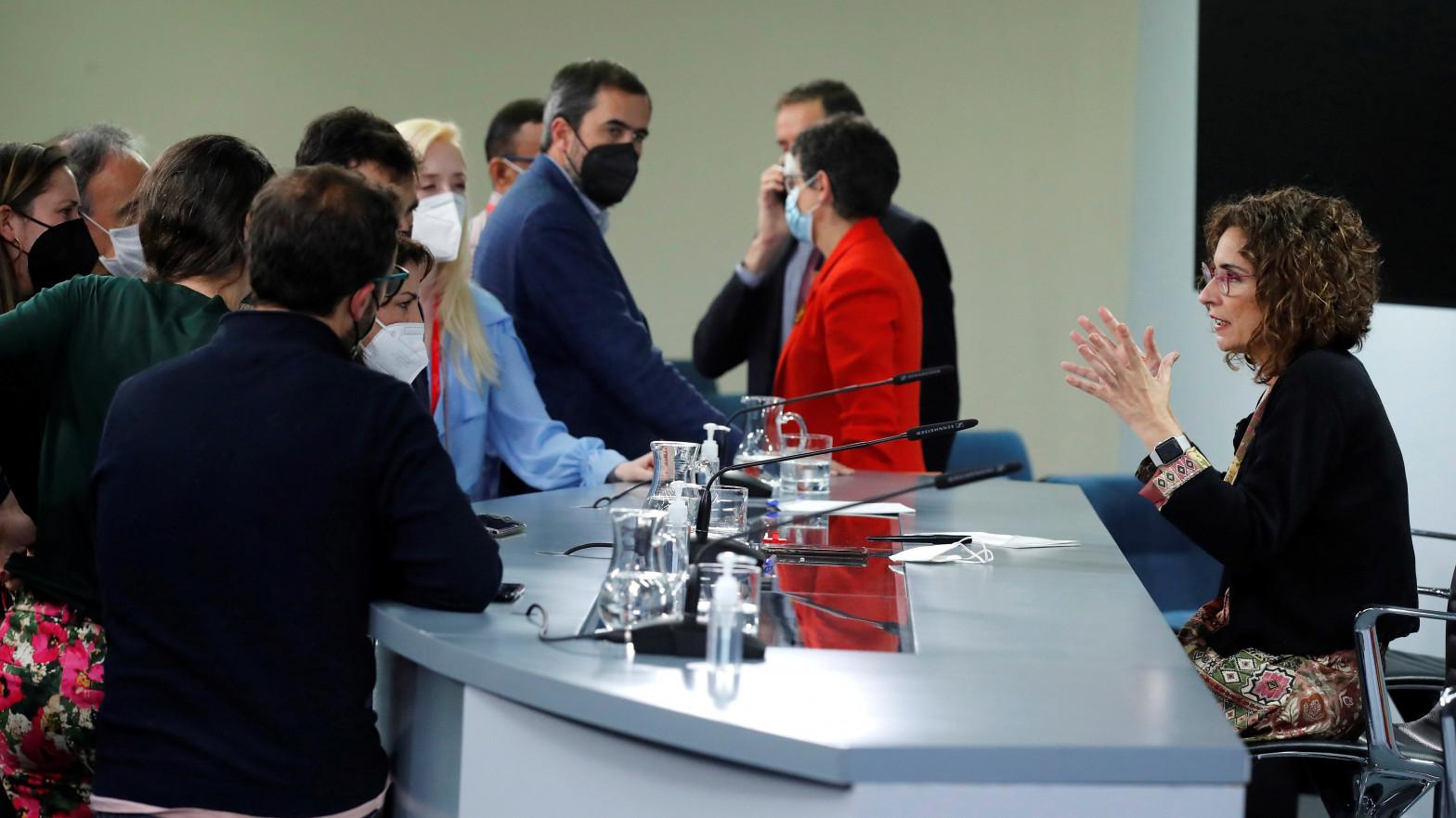 El Gobierno pide un cordón sanitario a VOX pero elude responder por sus pactos con Bildu