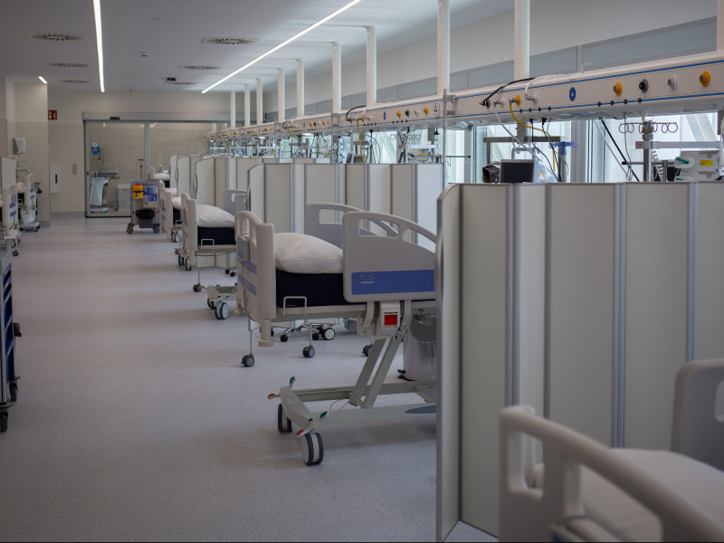 El nuevo perfil de los pacientes de UCI: van a consulta por la mañana e ingresan en horas