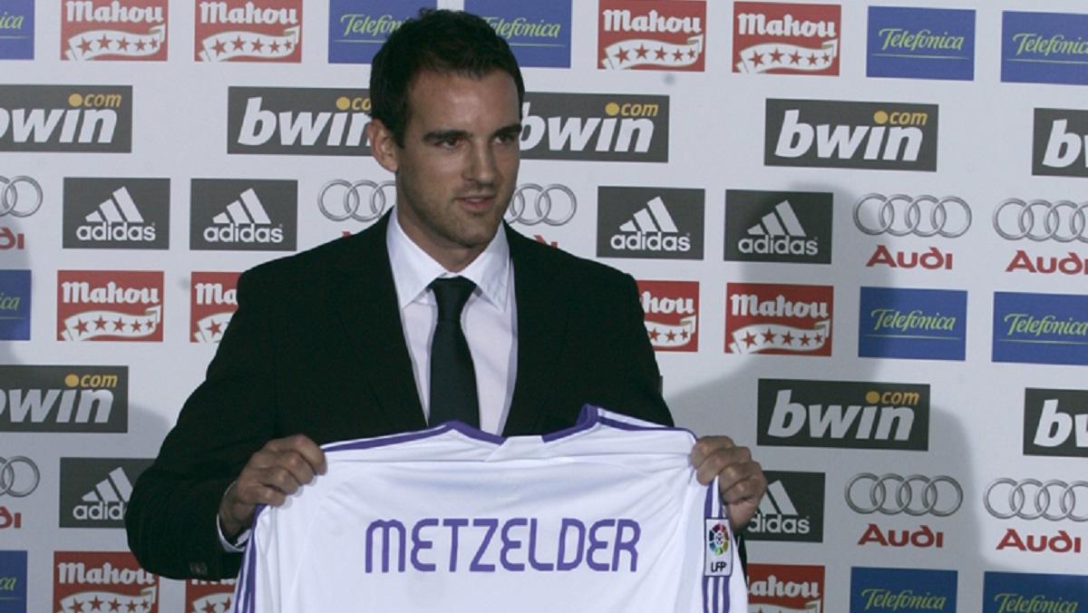 El exfutbolista del Madrid Christoph Metzelder confiesa los cargos por posesión y difusión de pornografía infantil