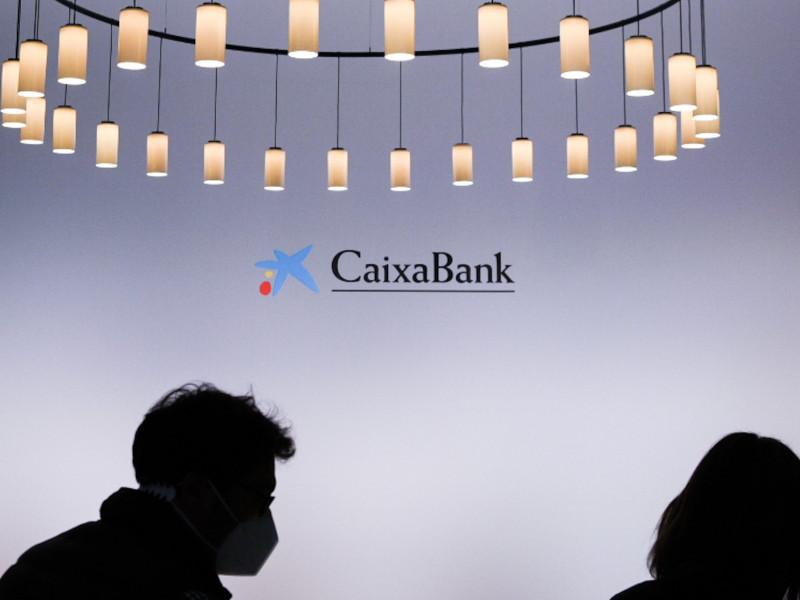 """Los trabajadores de Caixabank piden ayuda a los partidos políticos para """"frenar"""" el ERE"""