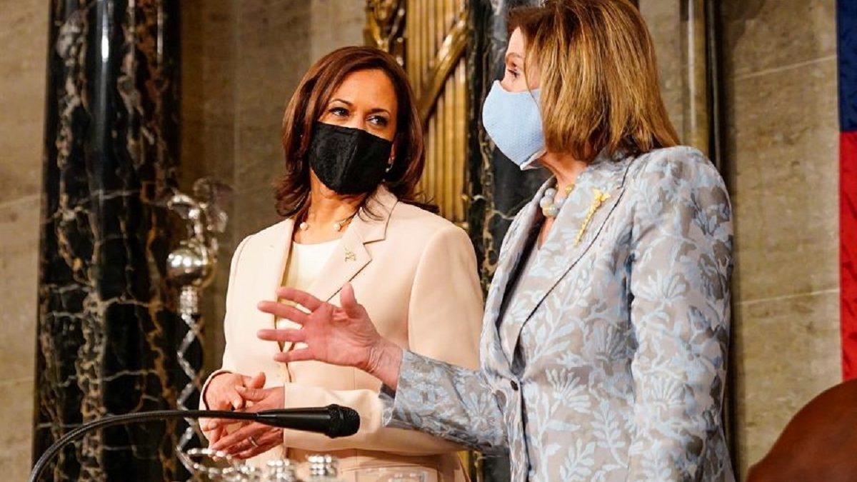 Kamala Harris y Nancy Pelosi, en el primer discurso de Joe Biden ante el Congreso.